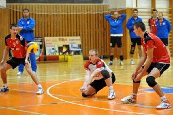 Erik Digaňa (na snímke vpravo). Pre zranenie kolena ho čaká pravdepodobne operácia.