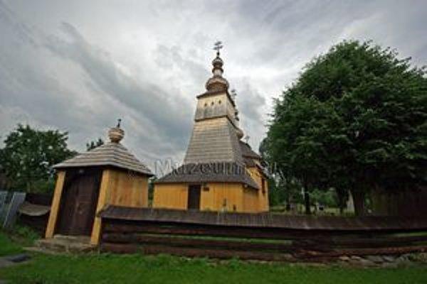 Cerkva v Ladomirovej. Drevené skvosty lákajú turistov, ale narazia na problém s ubytovaním.