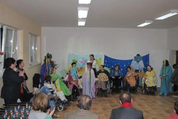 Deň otvorených dverí v OZ Barlička. Ľudí zaujal najmä kultúrny program obyvateľov Barličky.