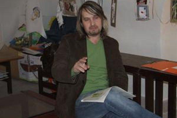 Ján Pochanič. Autor rozprávok Abeceda na výlete.