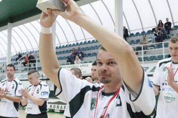 Radoslav Antl. Po pohári za tretie miesto v Maďarsku by rád zdvihol pohár za prvenstvo na Slovensku.