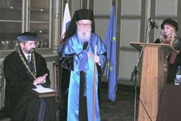 Arcibiskup Demetrios. Vo svete ho vnímajú ako teológa, biblistu aj štátnika.