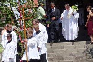 Stretnutie rodákov sa začalo slávnostnou sv. omšou.