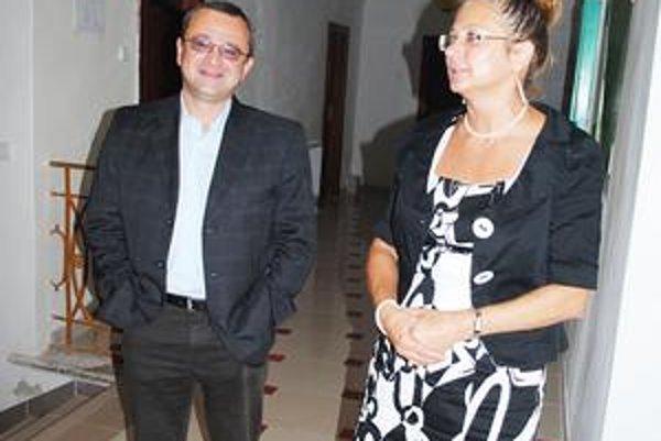 Zakladateľ a predsedníčka. Alexander Duleba a Ľuba Kráľová.