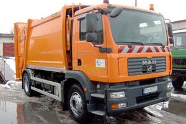 Novinka v Prešove. Auto slúži na odvoz separovaného odpadu.