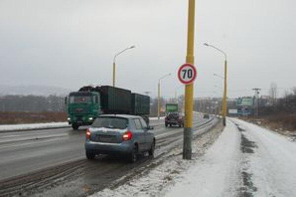 na Rusínskej ulici je už povolená sedemdesiatka.