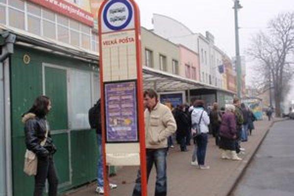 Ľuďom by sa páčilo kupovať si lístky cez mobil.