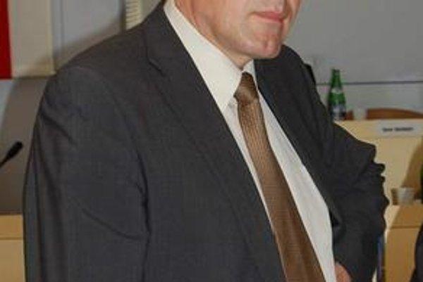 J. Kislík. Argumentuje, že primátor klamal verejnosť.