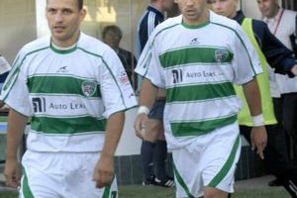 Obrancovia. Ján Papaj (vľavo) s Tomášom Joslom by mali strážiť kraje prešovskej obrany.