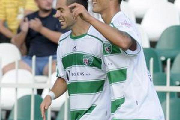 Pavol Jurčo sa v Prešove uviedol tým najlepším spôsobom. Na snímke vpravo sa radoval z dvoch gólov.