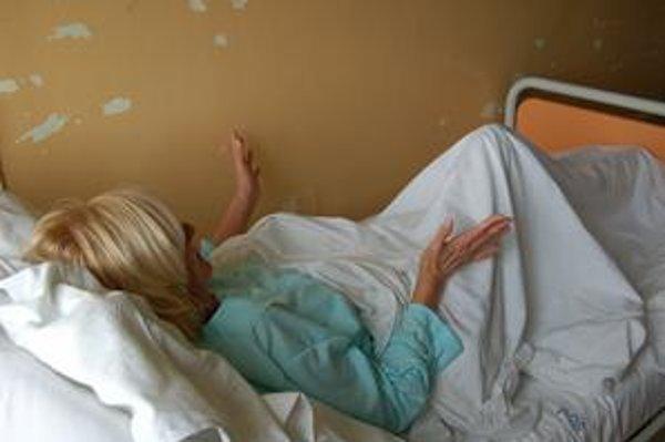 Zdravotná sestra. Napadol ju pacient.
