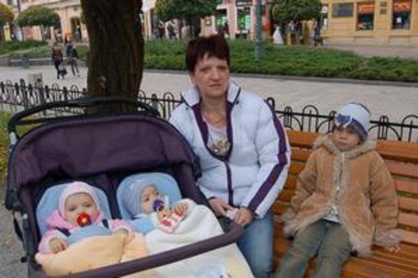 Zuzanu Pevnú čaká nové bývanie. Teší sa z toho, že má deti pri sebe a všetkých päť jej robí veľkú radosť.