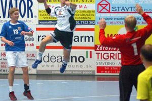 Radoslav Antl bol v derby (pri streľbe) ústrednou postavou Prešovčanov.
