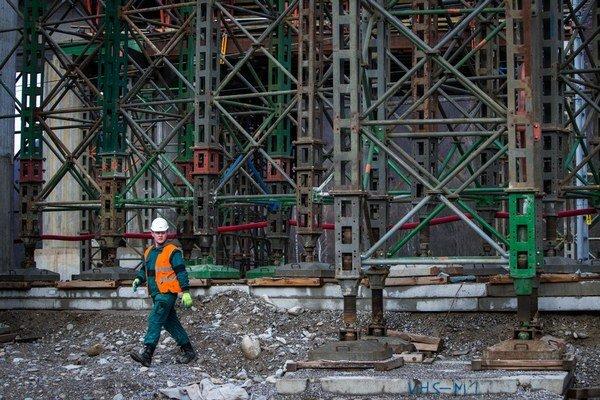 Typickým príkladom firmy, ktorá neplatila dodávateľom, je Váhostav, a to pri stavbe diaľnice D1 medzi Dubnou skalou a Turanmi.