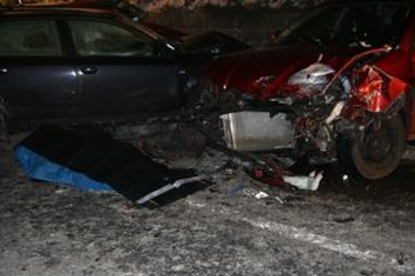 Tragická nehoda si v nedeľu večer vyžiadala jeden ľudský život.