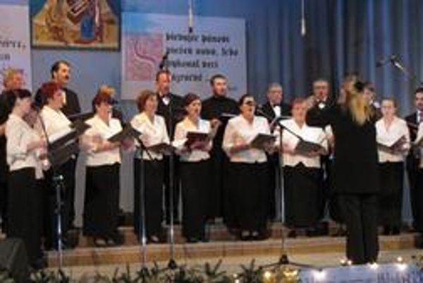 Zbor pri pravoslávnom chráme Svätej Trojice vo Svidníku.