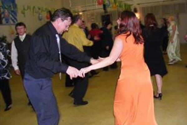 Záhradkársky ples. Zatiaľ sa nestalo, aby mesto nejaký ples zakázalo.