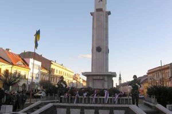 Pietny akt v Prešove. Na spomienkové slávnosti chodí čoraz menej žijúcich pamätníkov.
