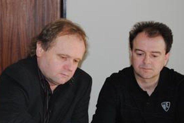 Nespokojní odborári Jozef Balica (vľavo) a Stanislav Kavulič.