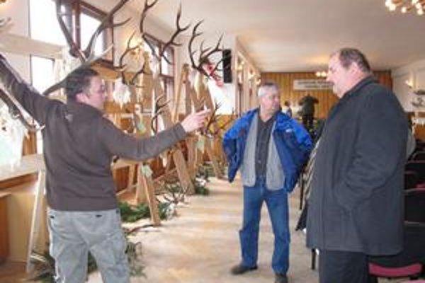 Trofeje prezentovali poľovníci z okresu Stropkov.