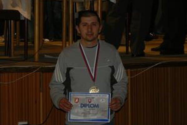 Pavol Glovacký sa venuje tlaku na lavičke dva roky.