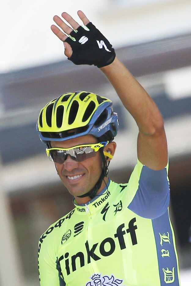 Alberto Contador si bude od budúcej sezóny obliekať dres nového tímu.