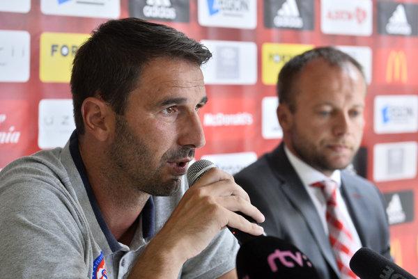 Martin Ševela odpovedá na otázky novinárov na tlačovej konferencii pred Ligou majstrov.
