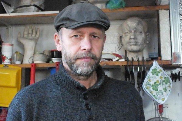 Richar Wágner. Prináša realistické stvárnenie figúr a portrétov.