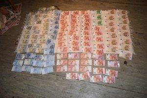 Lup. Zlodeji ukradli aj tisícky eur.