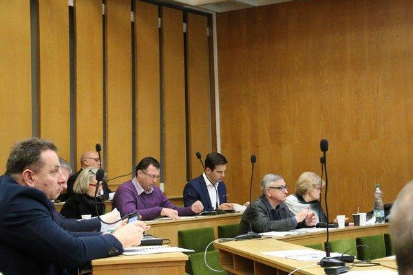 Mestské zastupiteľstvo v Trebišove. Návrh na vymenovanie nového náčelníka neprešiel.