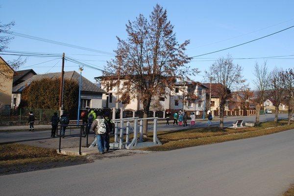 Pečovská Nová Ves. Pre miestnych chystajú nové športové ihrisko.