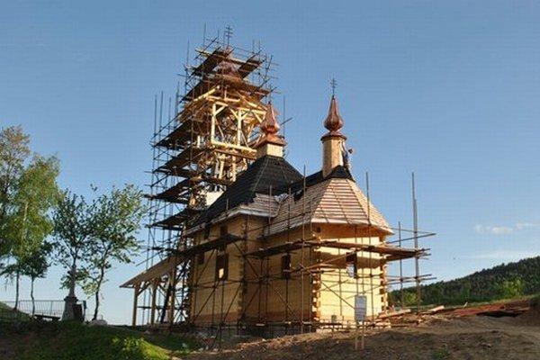 Nový chrám ešte počas výstavby.