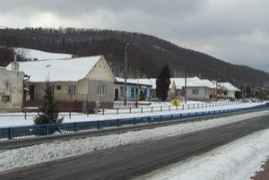 V Uzovských Pekľanoch opravili miestne cesty.