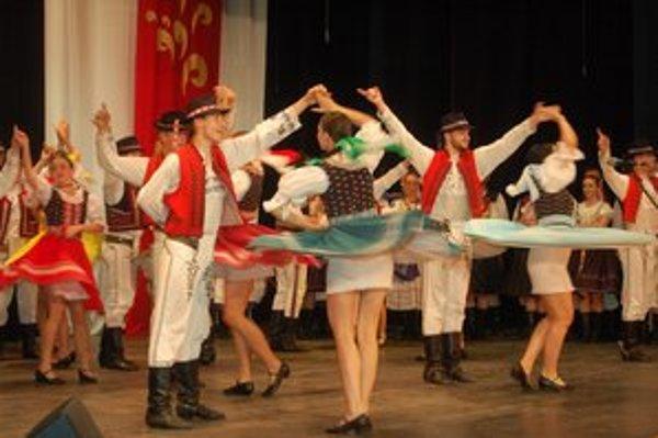 Spomienky. Folkloristi zo Sabinovčana oslávili svoje výročie spolu so svojimi priaznivcami.