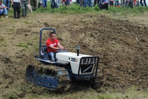 Marek Miščík. Jeho traktor zaujal najviac.