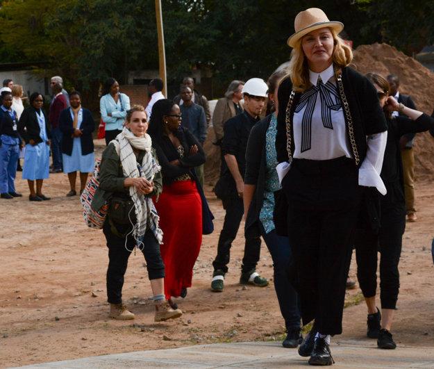 Madonna v Malawi.