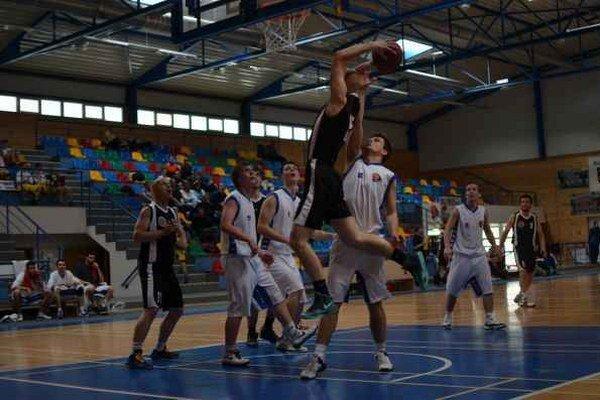 Basketbalisti v poslednom domácom zápase zdolali Dolný Kubín.