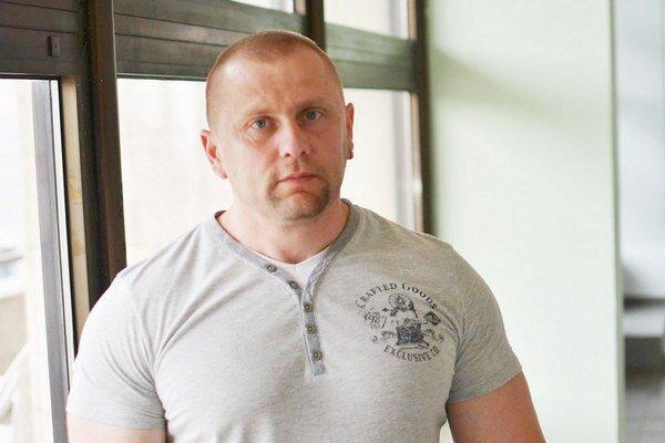 Ondrej Hudák začal sezónu výborne. V trojboji zvládol 926 kg.