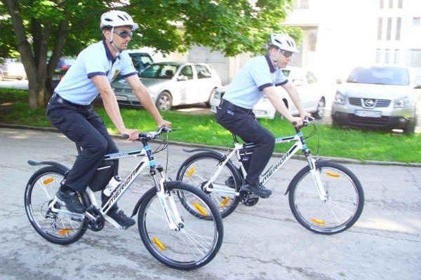 Policajné cyklohliadky. Policajti na bicykloch už nie sú v okrese raritou.