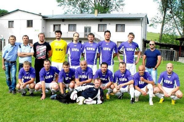 FK Kružná. Líder má v kádri skúsených hráčov i produktívnych strelcov.