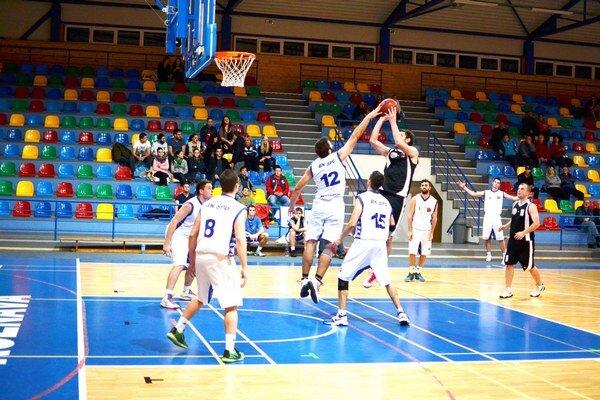 Štvrté víťazstvo. Basketbalisti ŠPD doma znova vyhrali.