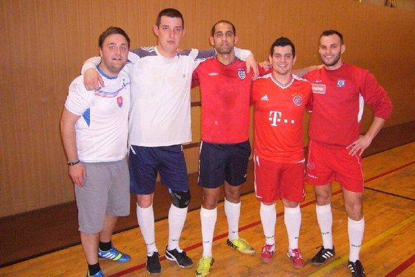 Organizátori. Turnaj pripravili hráči VTJ CBF Priateľov.