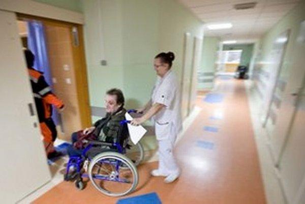 Financovanie nemocníc odporúča OECD Slovensku sprehľadniť.