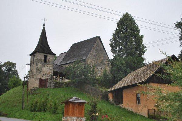 Kostolík v Henckovciach. Obec tu chce vytvoriť múzeum Gotickej cesty.