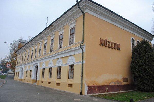 Banícke múzeum po oprave čelnej fasády.