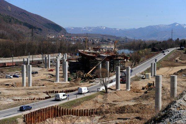 Eurofondy na diaľnice nám stopli. Ohrozené sú aj peniaze na ďalšie operačné programy, napríklad na životné prostredie.