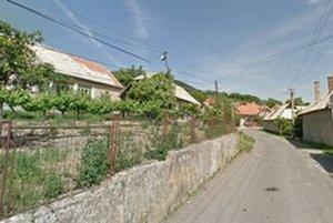 Agentúra, čo chcela nakupovať pre štát za milióny eur, sídli v obci Horné Plachtince s 200 obyvateľmi.