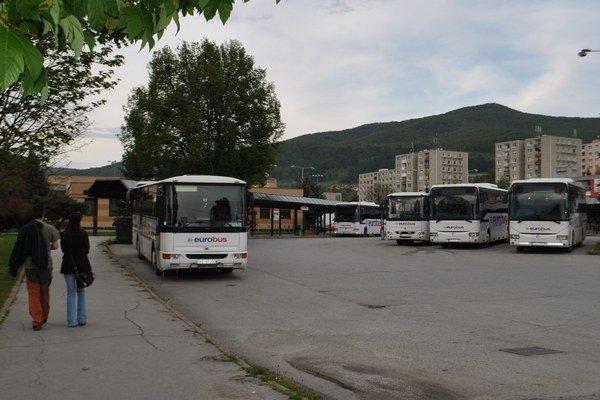 Autobusová stanica. Už päť mesiacov chýba nájomná zmluva medzi mestom a Eurobusom na jej prenájom.