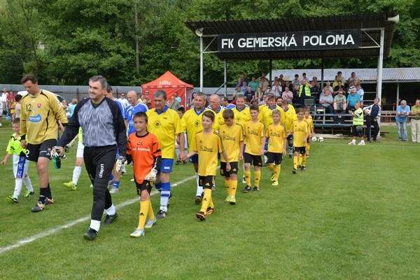 Nováčik. Chlapci z FA Dovaj sa už ukázali aj v Gemerskej Polome.