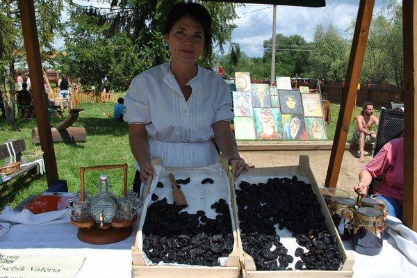 Sušené bioslivky. V. Zsebiková spolu s manželom sa im venujú už 20 rokov.